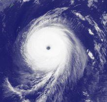 台風18号の衛星写真