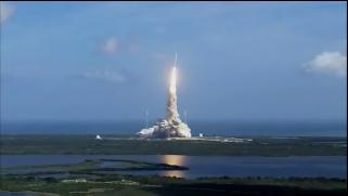ケネディ宇宙センターから打ち上げられる Ares I 試験機 Copyright (c) NASA