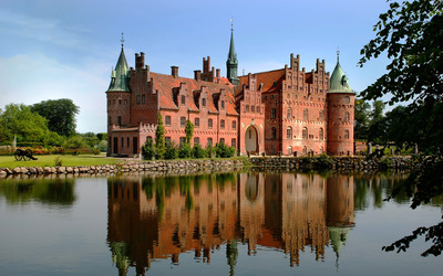 Egeskov_Castle.jpg