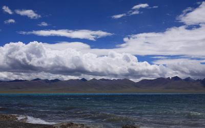 Lake_at_Qinghai.jpg