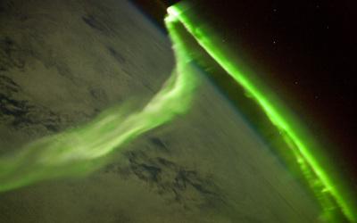 Aurora_from_ISS.jpg