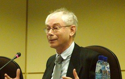 初代EU大統領に選出されたヘルマン・ファン・ロンパウ首相